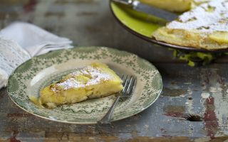 Clafoutis alle mele in padella: semplice e gustoso