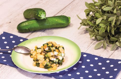 Dadolata di tofu e zucchine alla curcuma: secondo vegano
