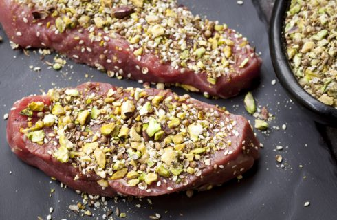 La ricetta del filetto in crosta di pistacchi