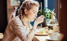 Perché (spesso) mi piace mangiare da sola