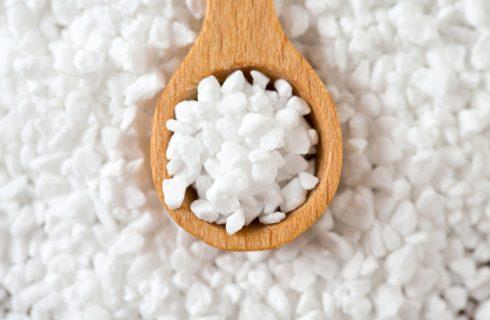 Basi di pasticceria: cos'è lo zucchero perlato?