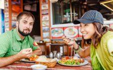 Gli italiani viaggiano per mangiare