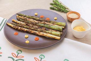 Asparagi grigliati al barbecue: contorno adatto a tutti