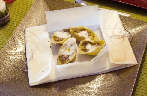 Lumaconi ripieni di carne in bianco