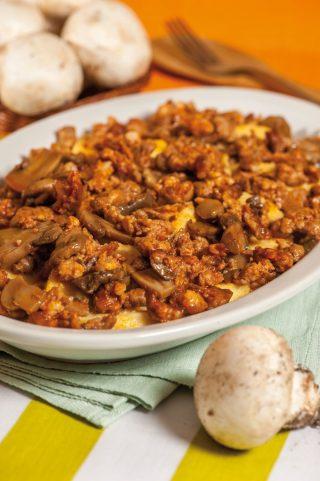 Gnocchi di semolino funghi e salsiccia