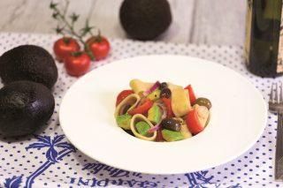Mezze maniche all'avocado: gusto delicato