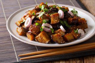 7 piatti che non ordini mai al ristorante cinese (e invece dovresti)