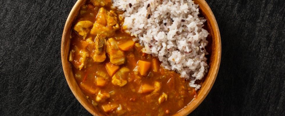 Mixare le spezie: 10 curry dal mondo