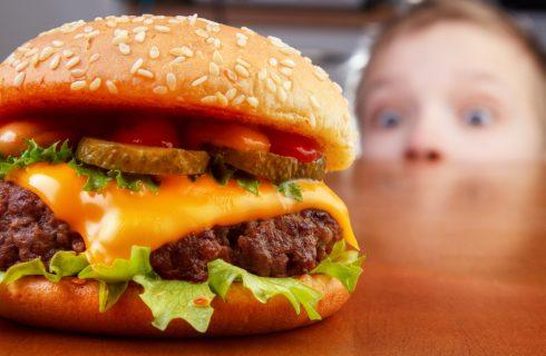 Fast food: in 30 anni i cibi sono diventati più calorici e salati
