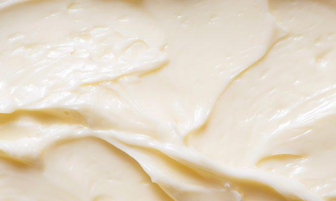 Perché non potrete fare più a meno del burro acido per il risotto