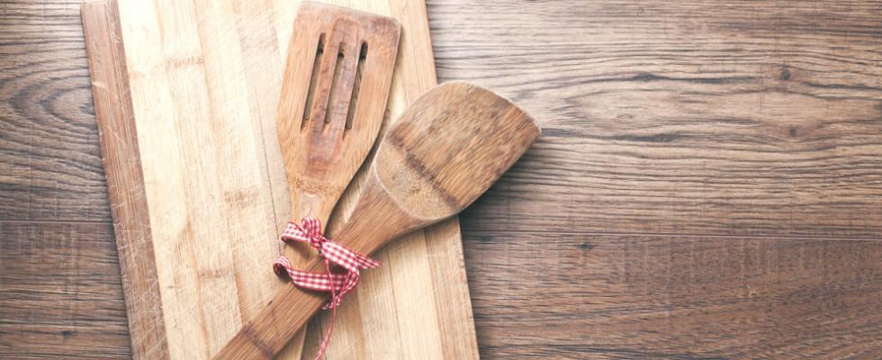 Usare taglieri e mestoli di legno fa davvero male?