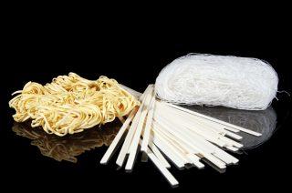 Non solo spaghetti di soia: il magico mondo dei noodles cinesi