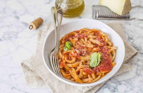 Umbricelli al pomodoro: tradizione umbra