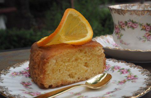 La ricetta della torta all'arancia con la glassa