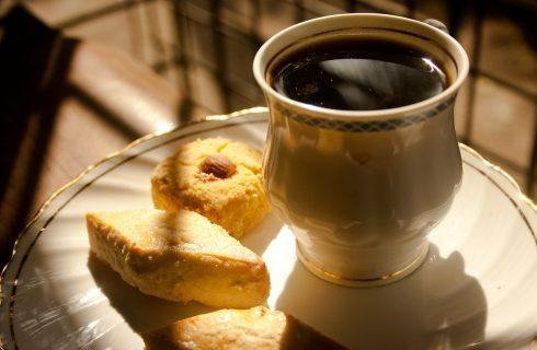 La ricetta dei biscotti al latte da inzuppo per la colazione