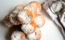 La ricetta dei muffin con ricotta e limone da gustare a colazione
