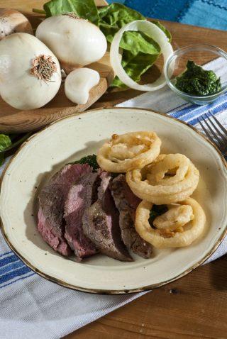 New York Steak con bietole e anelli di cipolla
