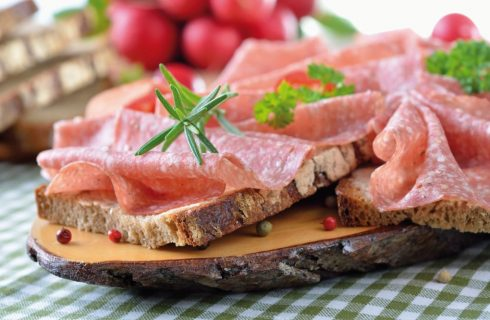 Pane al farro e salame
