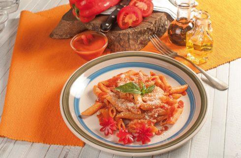 Penne con salsa ai peperoni
