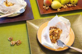Pere speziate con noci e crumble di cereali