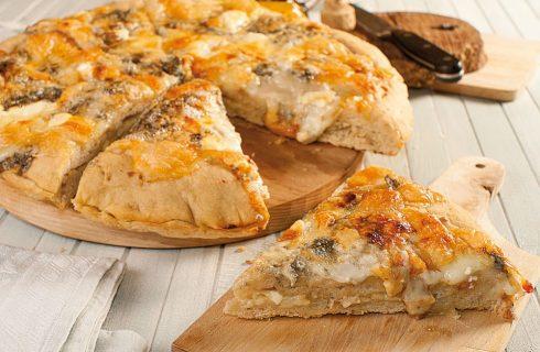 Pizza ai 4 formaggi con salvia