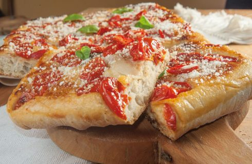 Pizza in teglia all'amatriciana