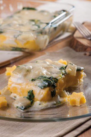 Polenta pasticciata con coste e formaggio