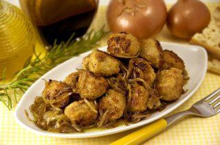Polpettine fredde in salsa di cipolle balsamiche