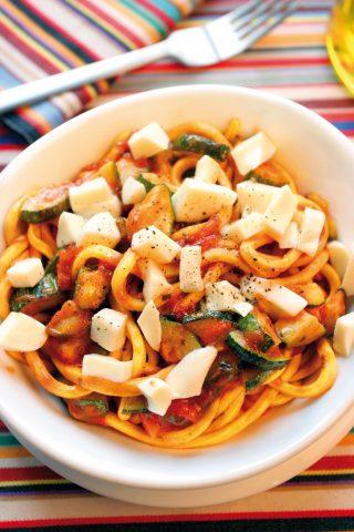 Scialatielli con sugo di zucchine e mozzarella al bimby