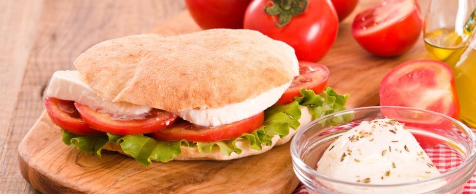 Puccia salentina: 3 modi di farcirla per un pranzo al volo