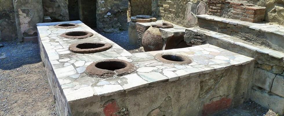 Pompei: scoperto un fast food negli scavi