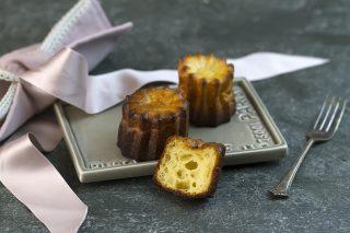 Cannelés de Bordeaux: dolcetti semplici della cucina francese