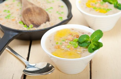 Minestra di ceci e patate: ricetta con la pentola a pressione