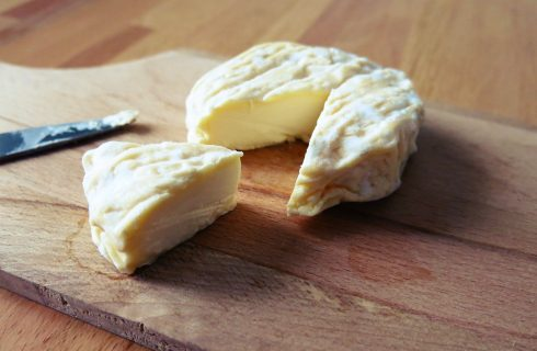 Ritiro di formaggi francesi a latte crudo