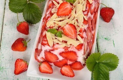 Terrina di semolino e fragole: la ricetta di Cotto e Mangiato
