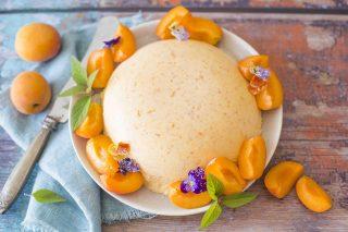 Bavarese alle albicocche: il dessert per l'estate