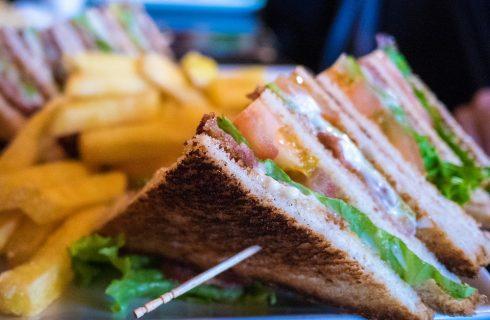 La ricetta del club sandwich vegetariano