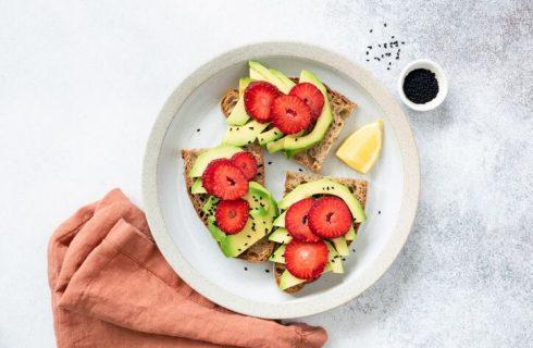 7 idee per una colazione con l'avocado