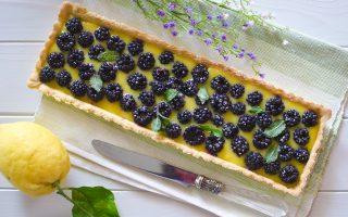 Crostata di more e lemon curd: un fine pasto profumato e fresco