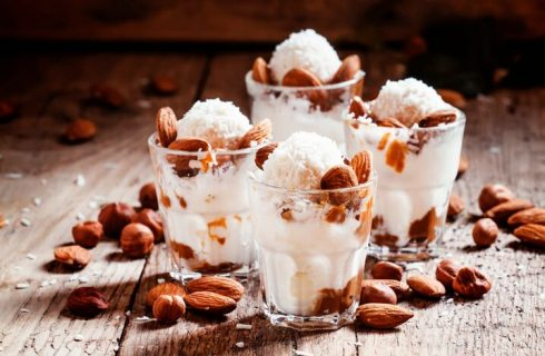 Come fare il gelato con latte di mandorla senza gelatiera