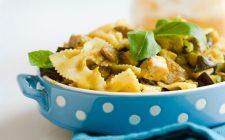 Come fare la pasta con tonno fresco e zucchine