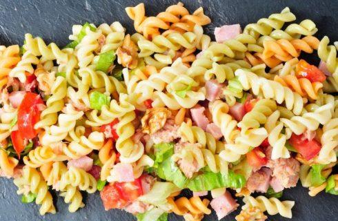 La ricetta della pasta fredda con prosciutto cotto e tonno