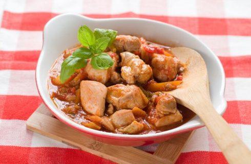 Pollo alla romana senza peperoni, la ricetta facile