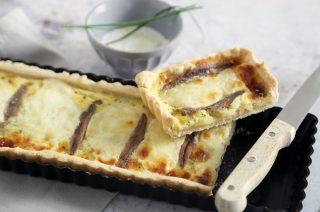 Torta salata con burrata e alici: da provare