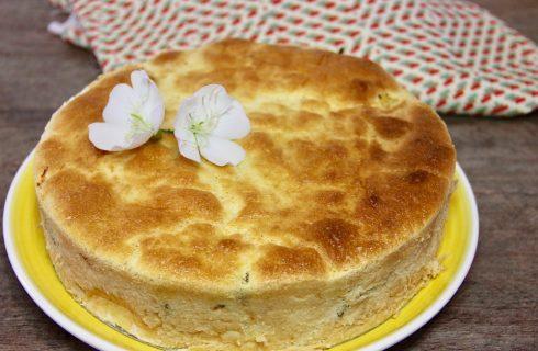 Torta salata con il pane raffermo, la ricetta facile