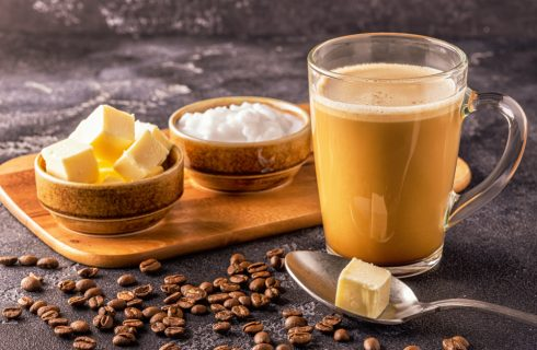 Bulletproof Coffee: il rimedio last minute per superare la prova costume