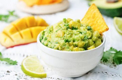 La ricetta della guacamole al mango