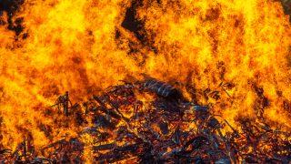 Un incendio divora 45.000 barili di bourbon Jim Beam