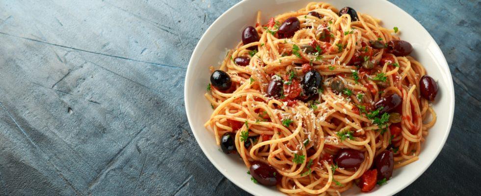 Pasta alla Puttanesca: le origini della ricetta e come prepararla
