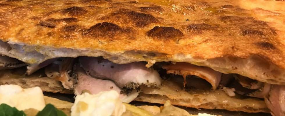 Al taglio: 5 pizze che celebrano la Porchetta di Ariccia IGP
